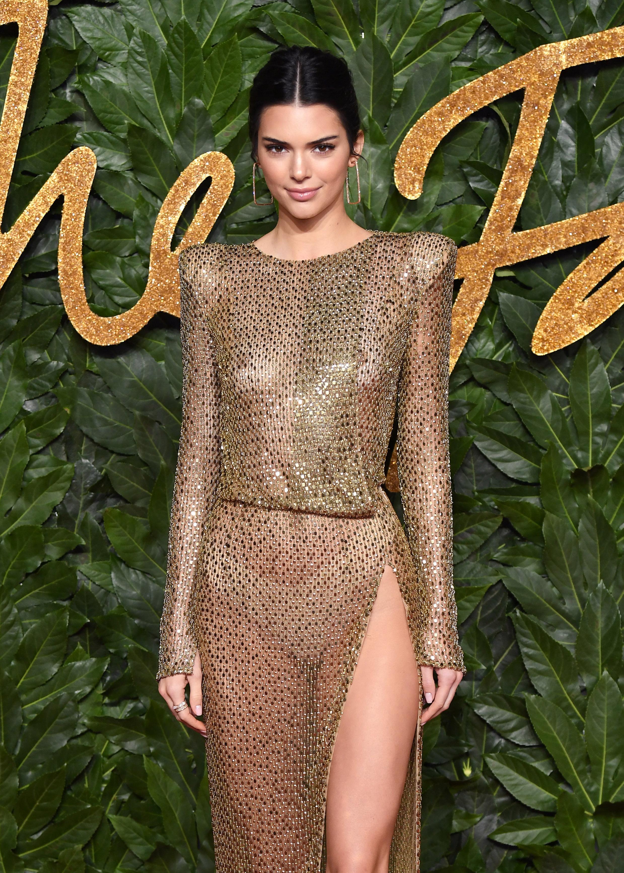 Kendall Jenner, famosa, estilo, modelo