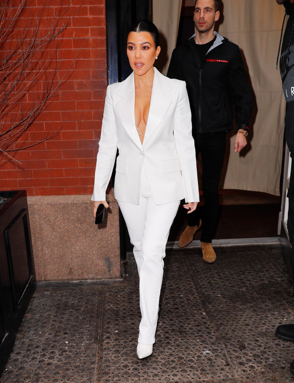 Kourtney Kardashian, looks
