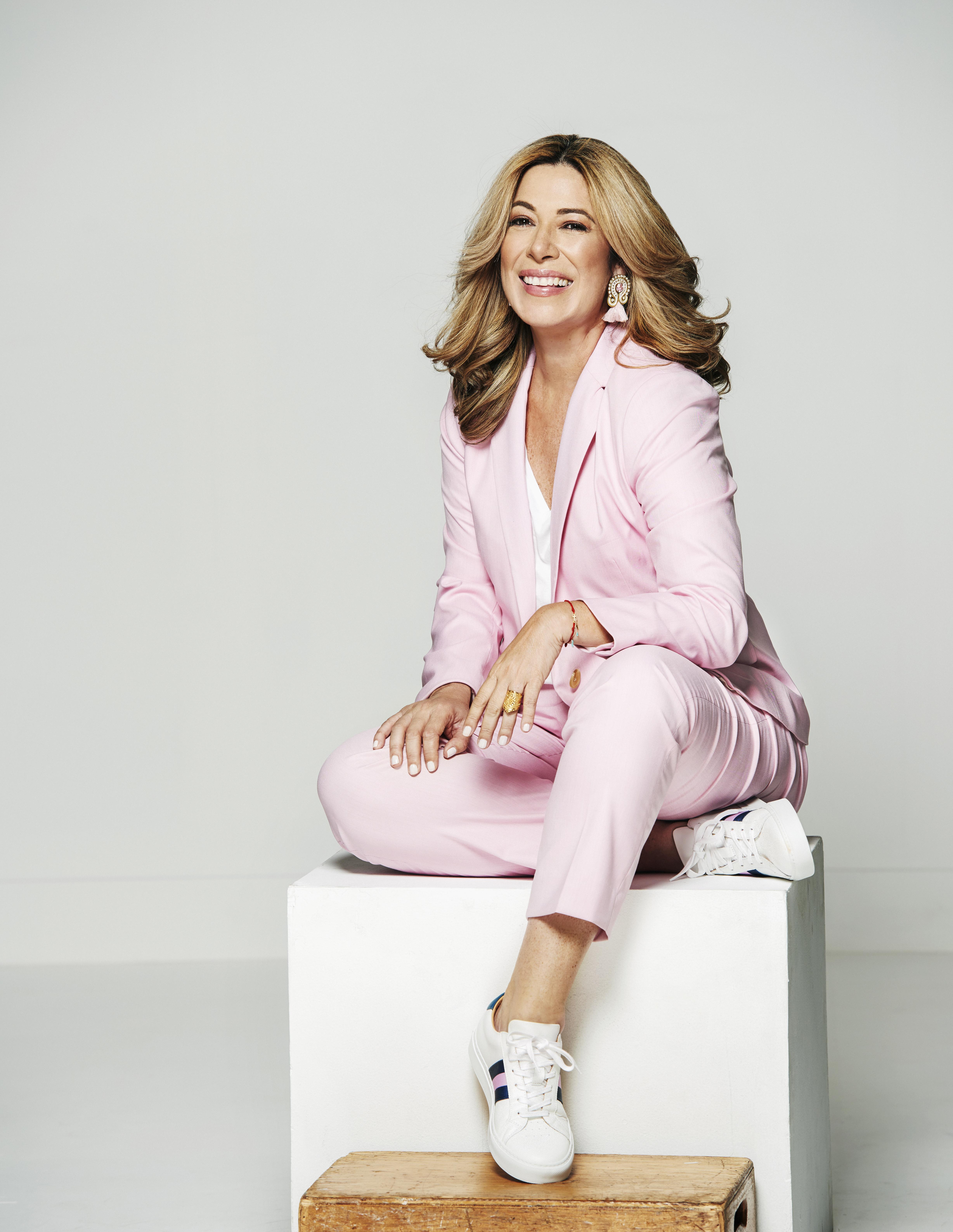Luz Maria Doria - Poderosas - April 2019