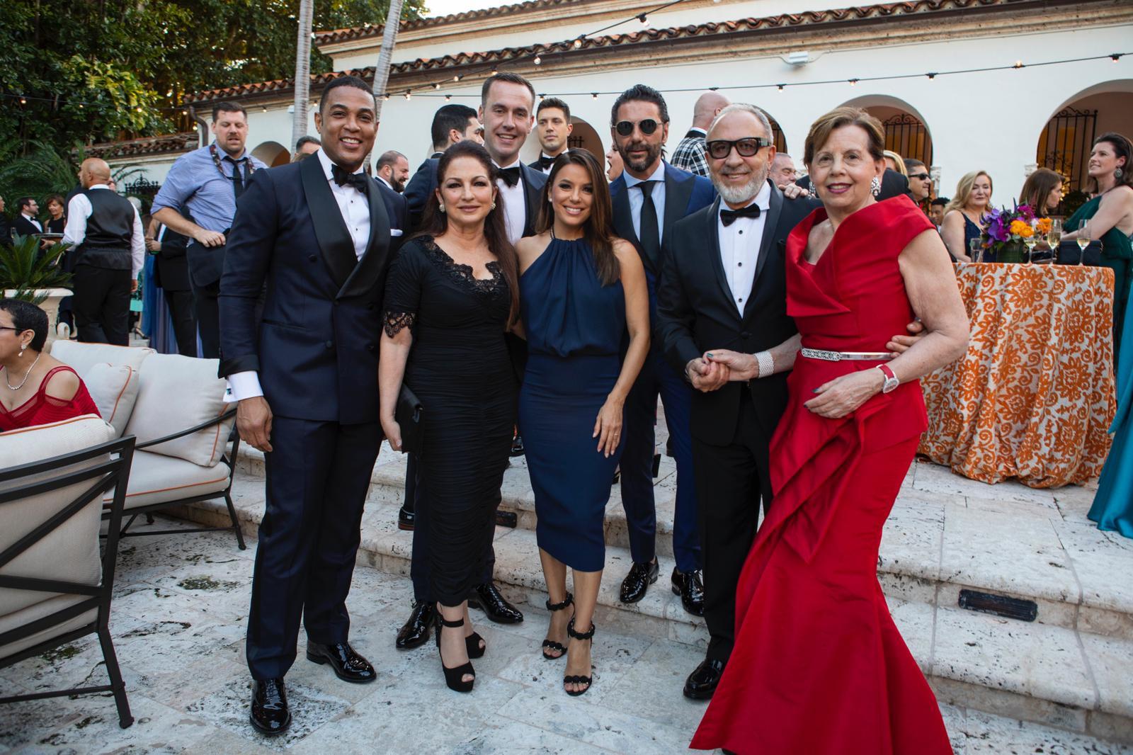 Gloria y Emilio Estefan, Eva Longoria, Pepe Bastón