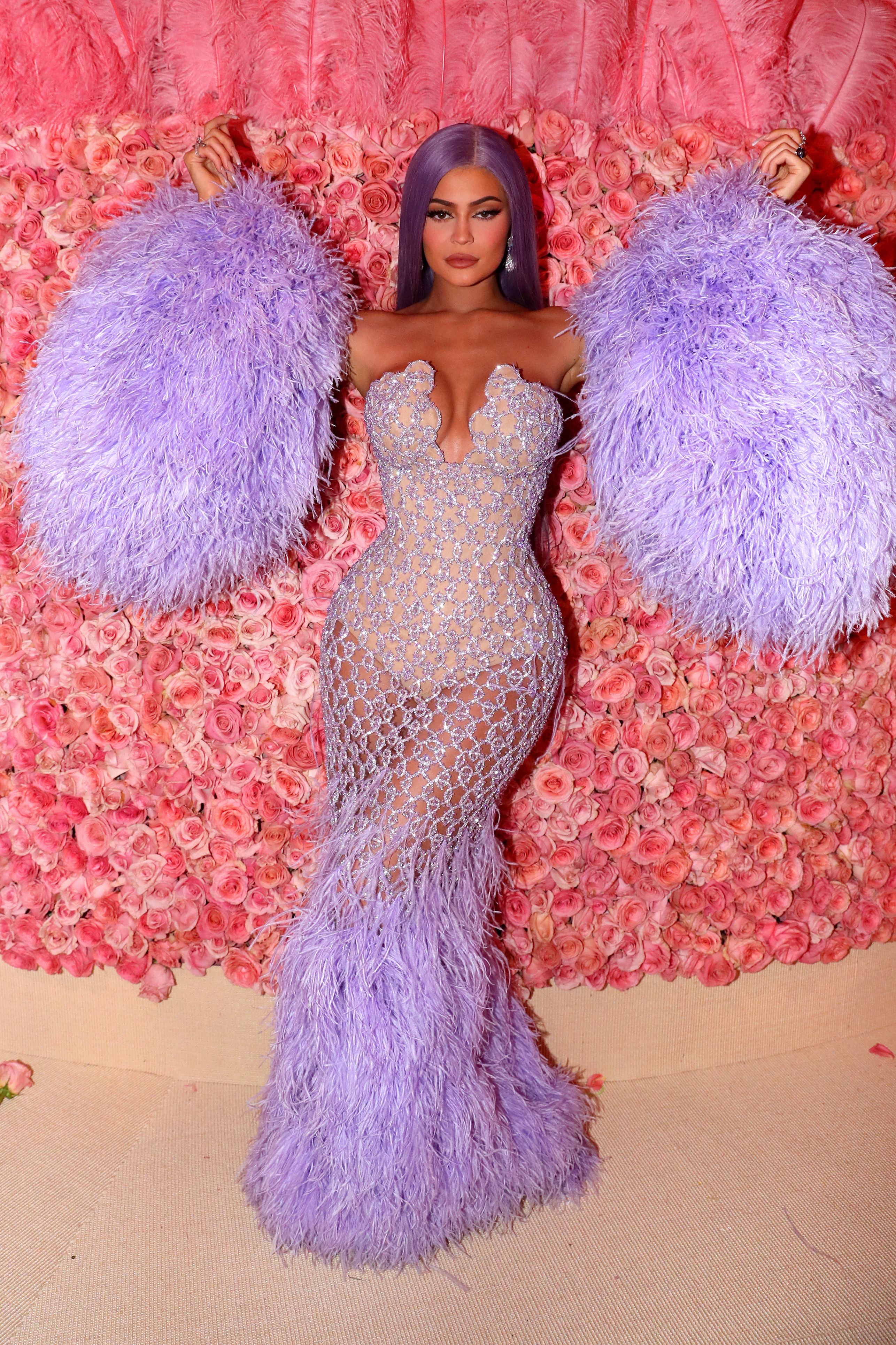 Kylie Jenner, cuerpo, cinturita