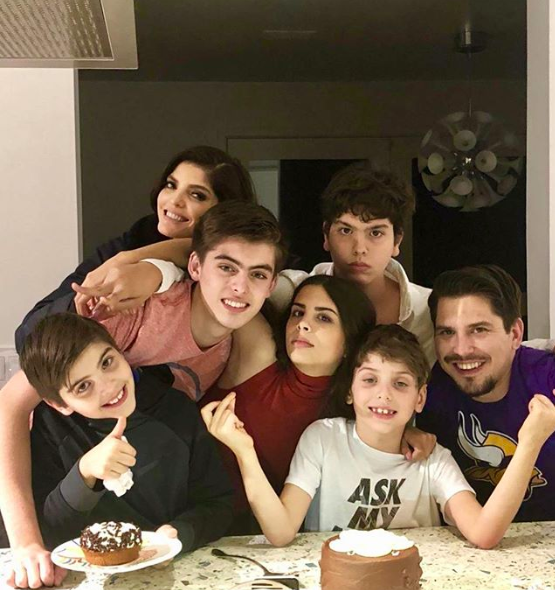 Ana Bárbara y su familia