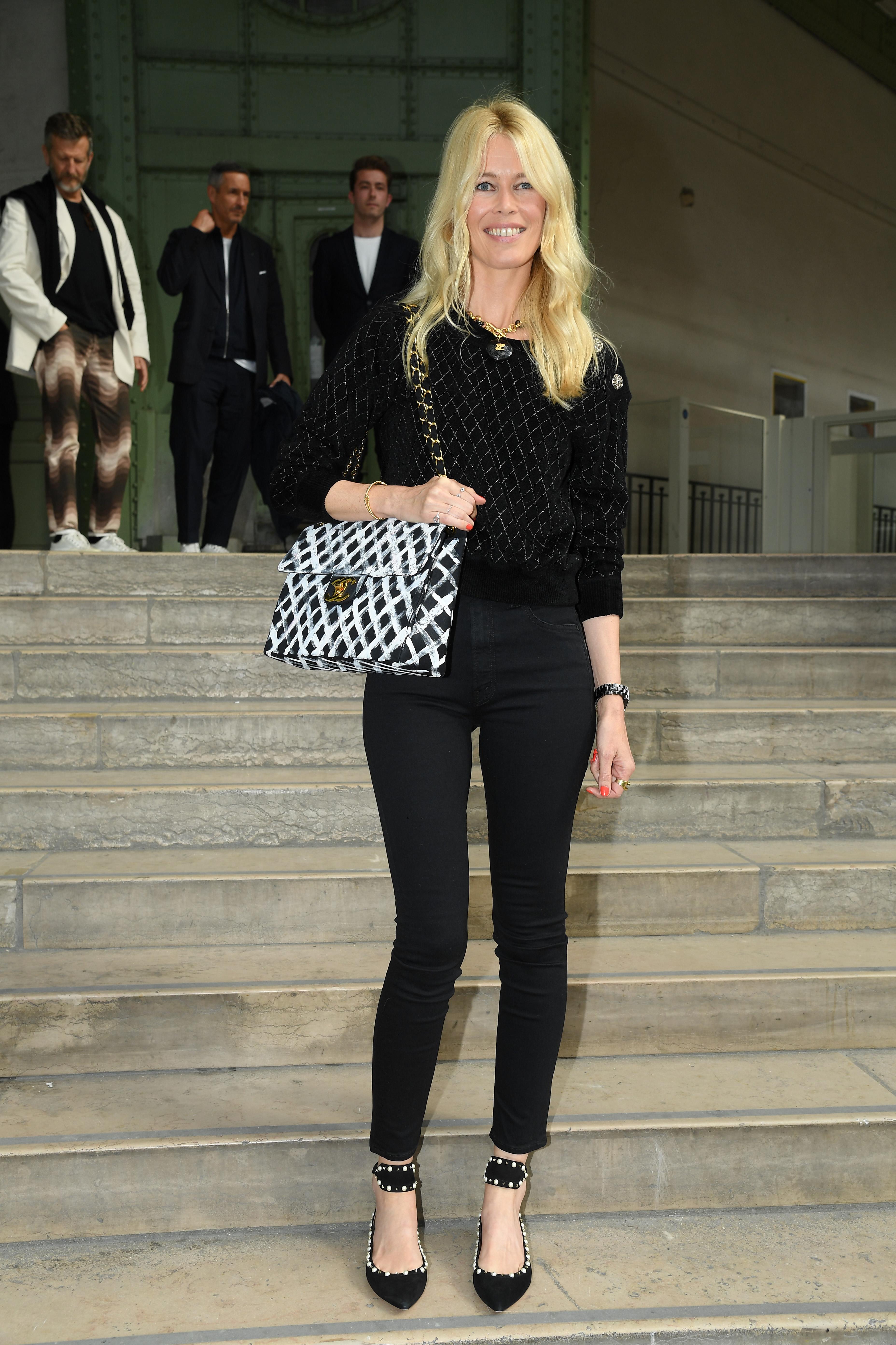 Claudia Schiffer, look, chanel, paris