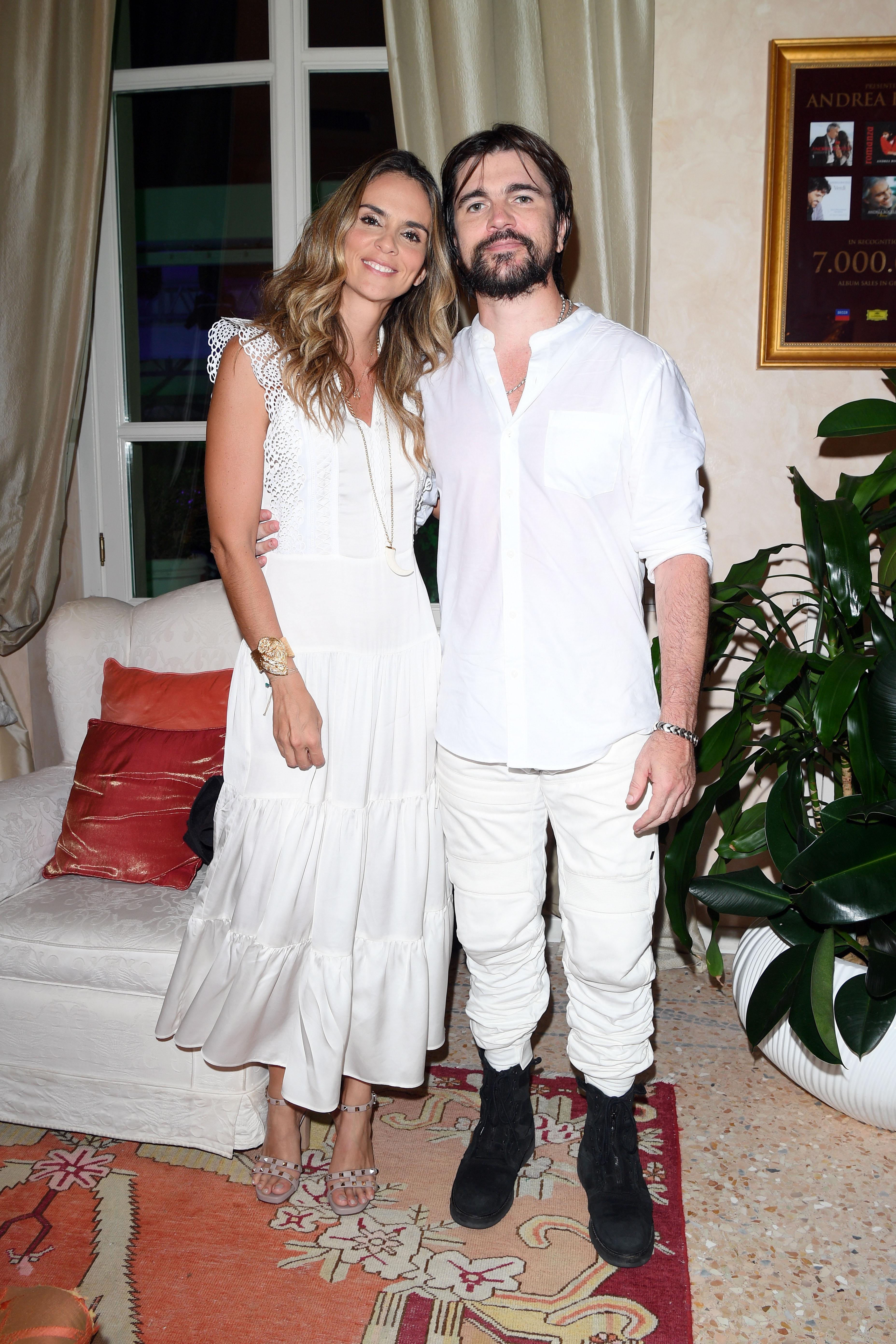 Juanes y Karen Martínez Andrea Bocelli Celebrity Fight Night