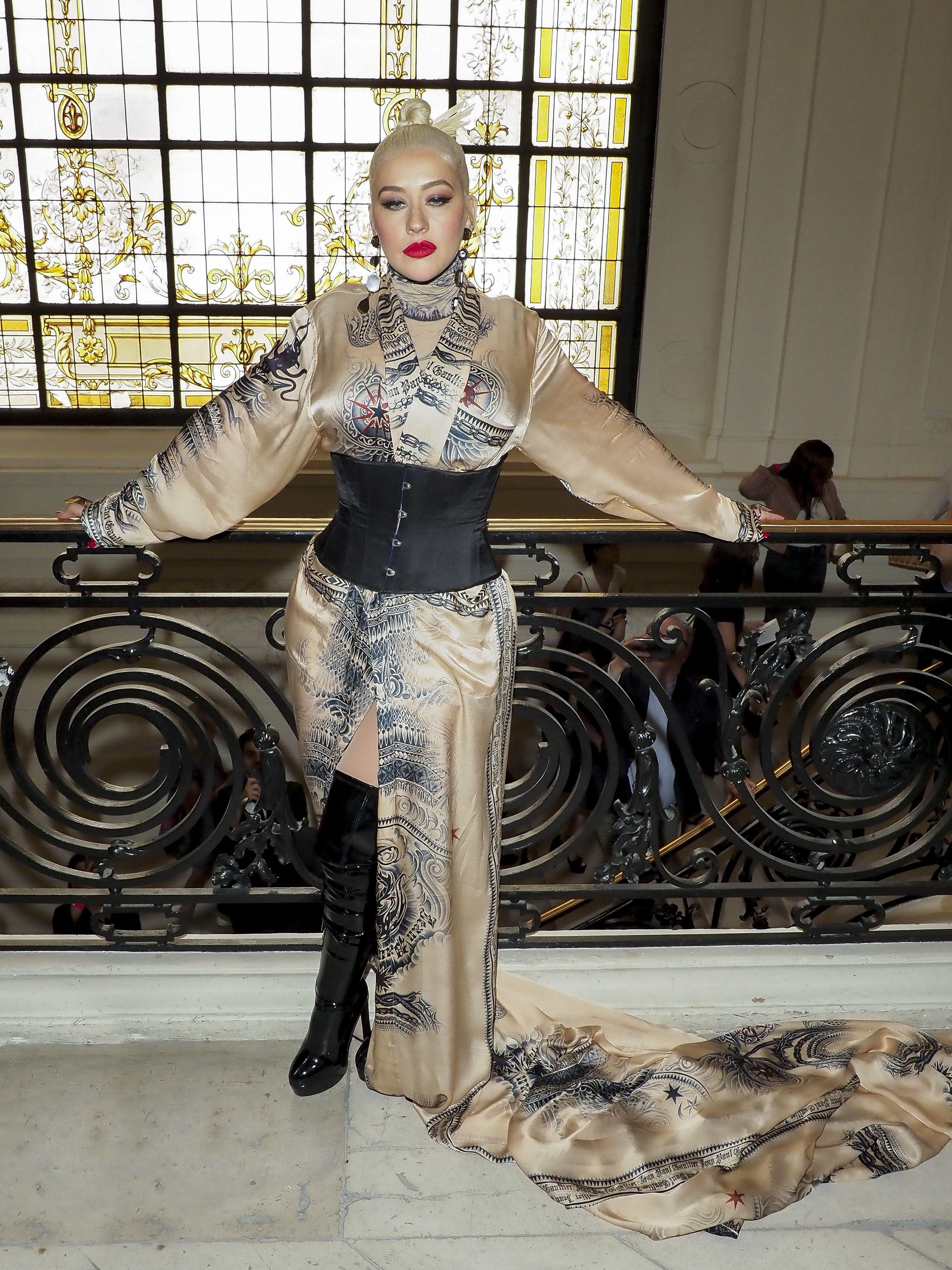 Christina Aguilera, looks, paris, semana de la moda paris