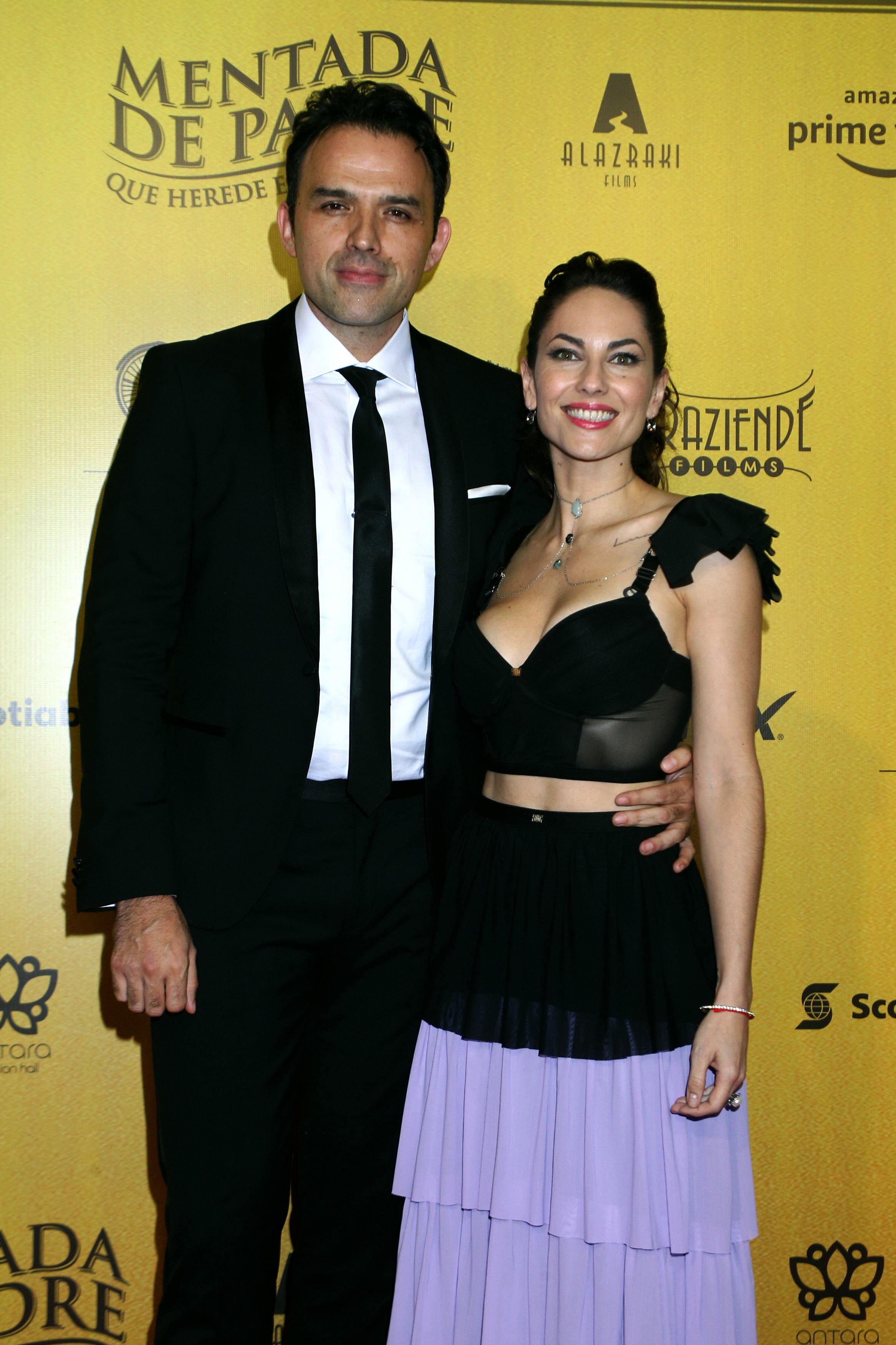 Bárbara Mori y Fernando Rovzar premiere de la película Mentada de padre