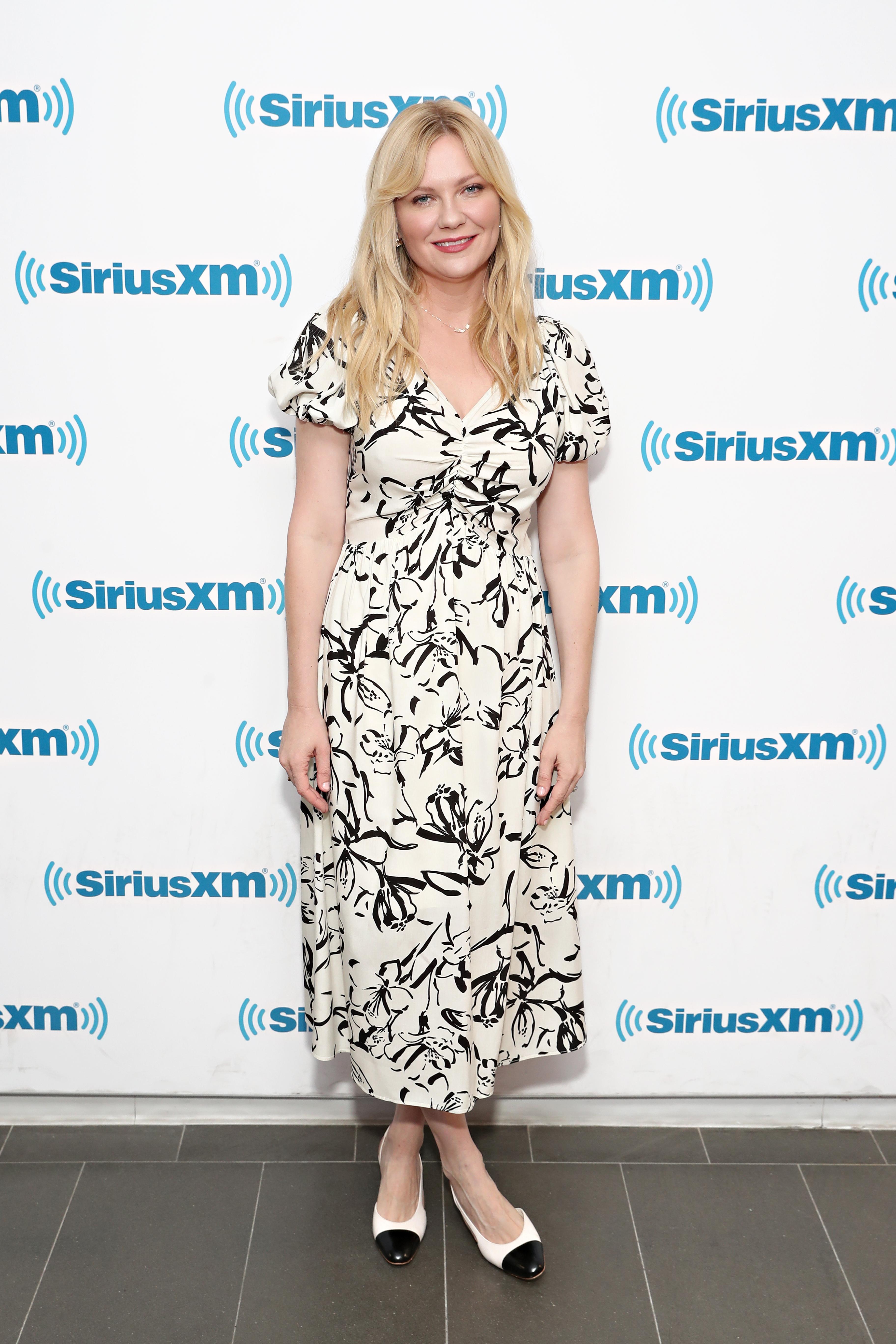 Kirsten Dunst, looks