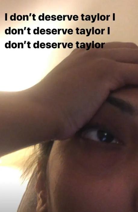 taylor-swift-fan.png