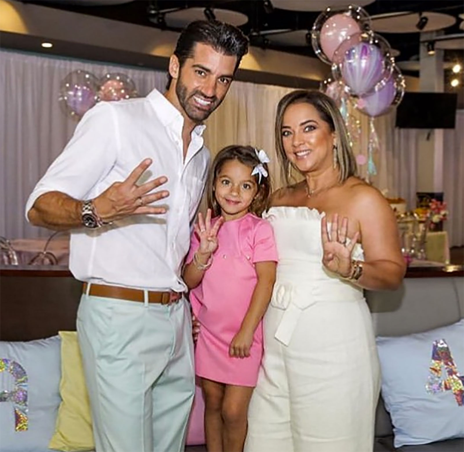 Alaïa Costa, Adamari López, Toni Costa