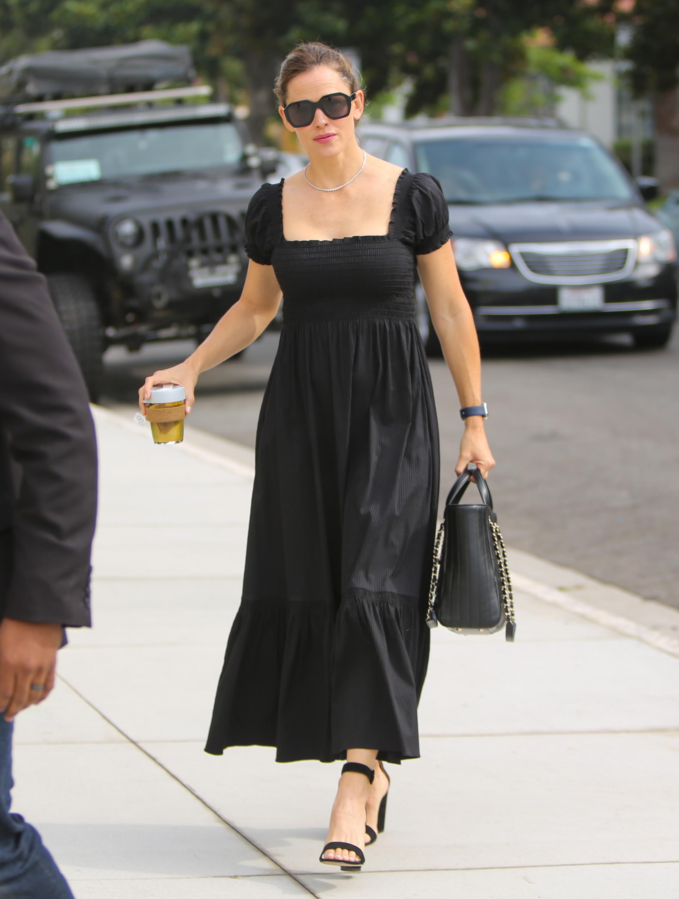 Jennifer Garner, looks
