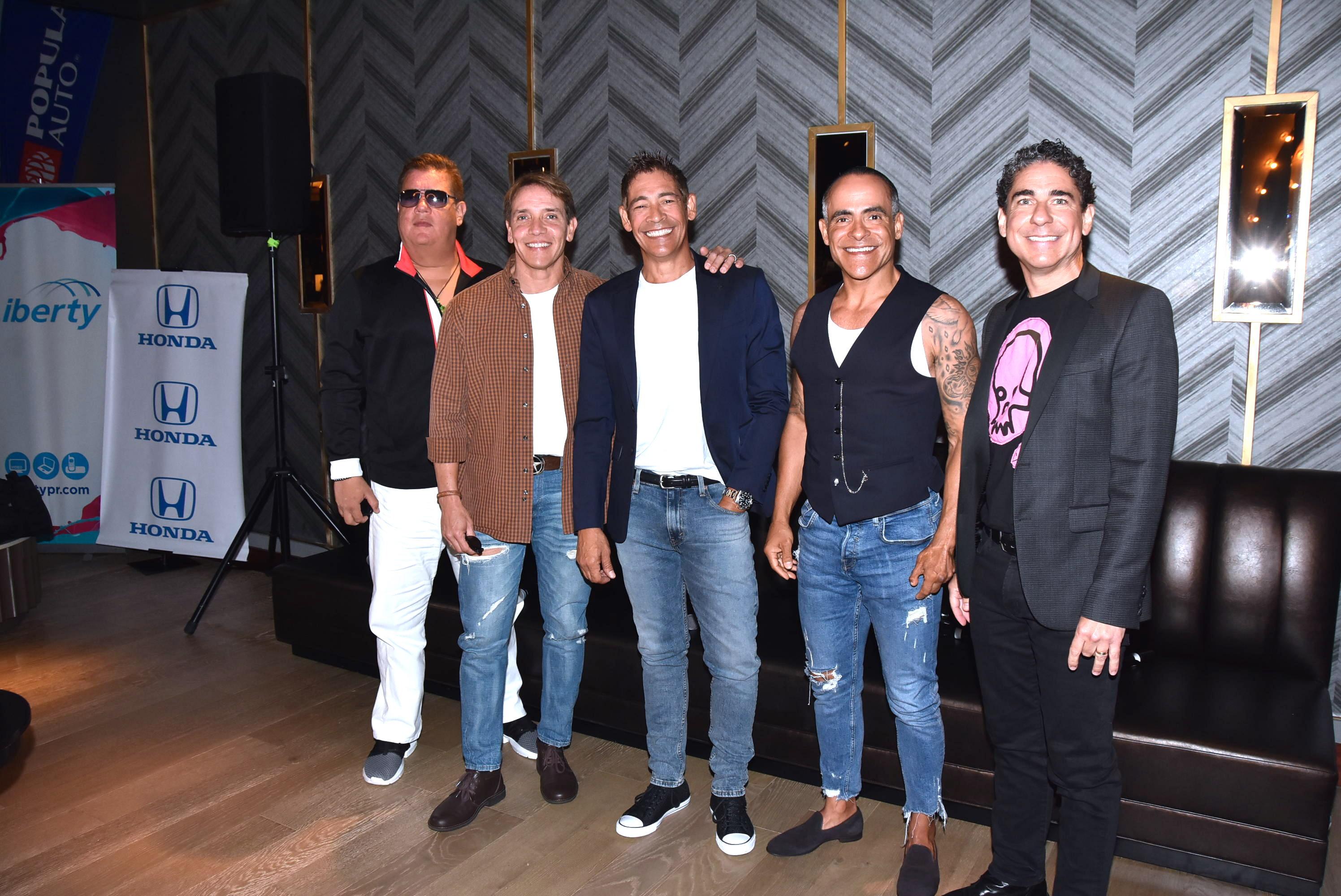 Los ex Menudos, Johnny Lozada, Ray Reyes, René Farrait, Miguel Cancel y Ricky Meléndez nueva gira subete a mi moto