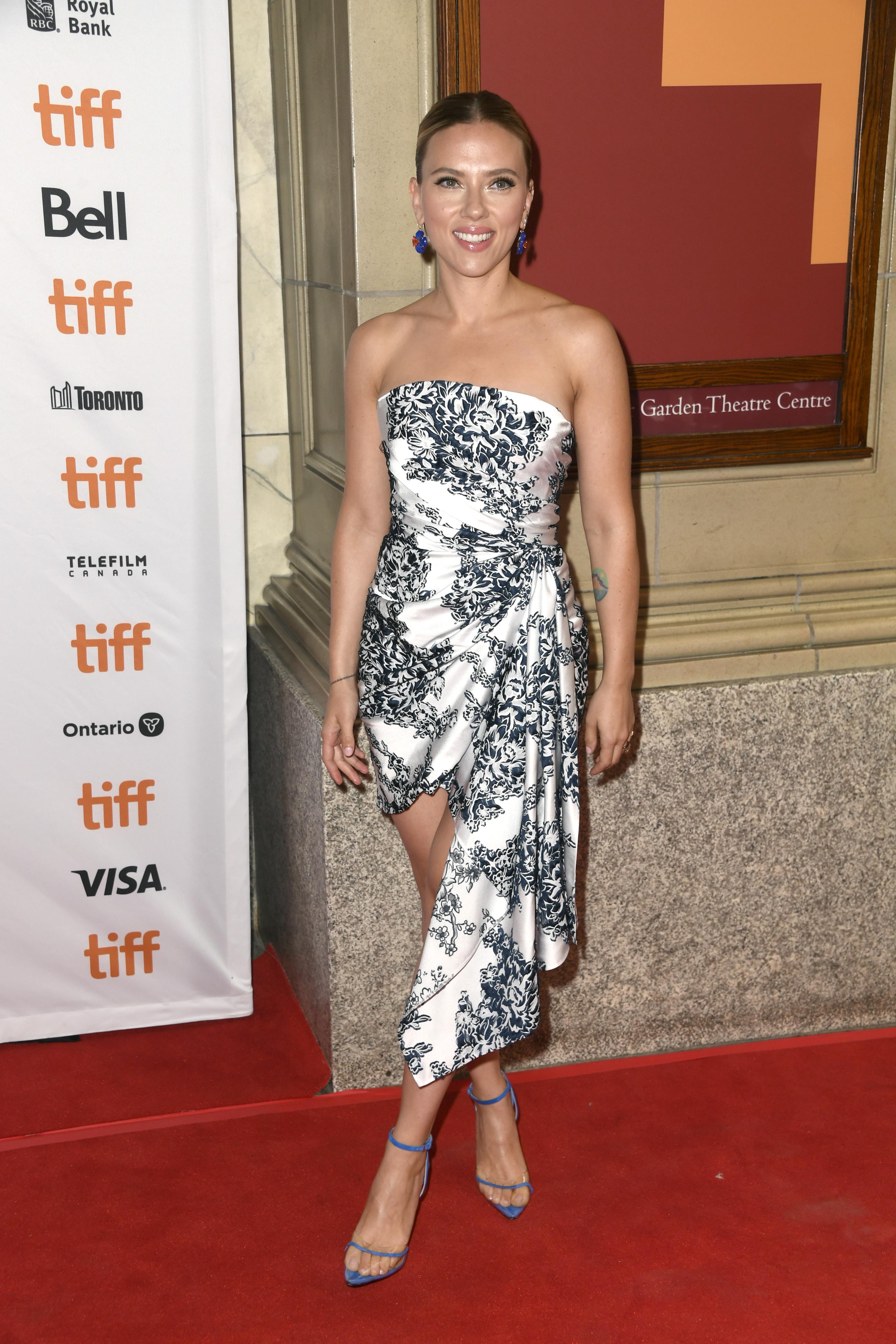 Scarlett Johansson, looks, Toronto Film Festival