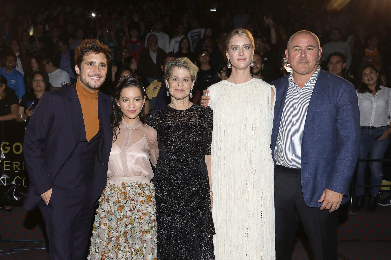 Diego Boneta, Natalia Reyes, Linda Hamilton, Mackenzie Davis y el director Tim Miller premiere Terminator: Dark Fate
