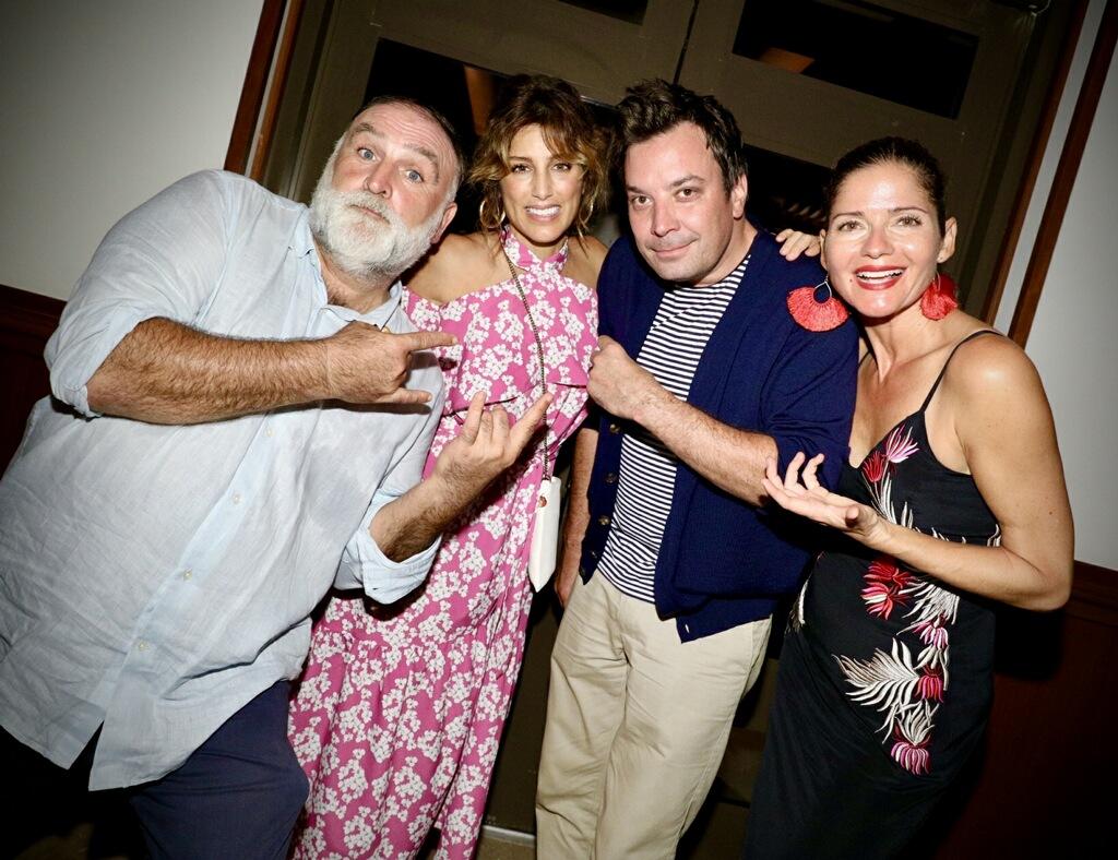Jose Andrés, Jennifer Esposito, Jimmy Fallon y Jill Hennessy Culinary Getaway que se llevó a cabo en Dorado Beach, parte del Ritz-Carlton Reserve, en Puerto Rico.