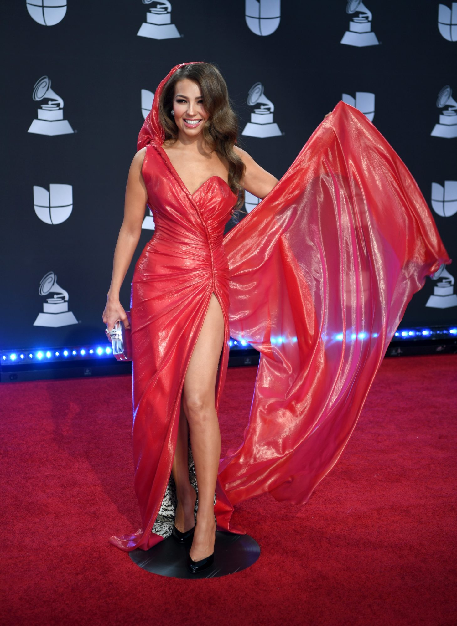 alfombra roja, Thalía, Latin Grammy