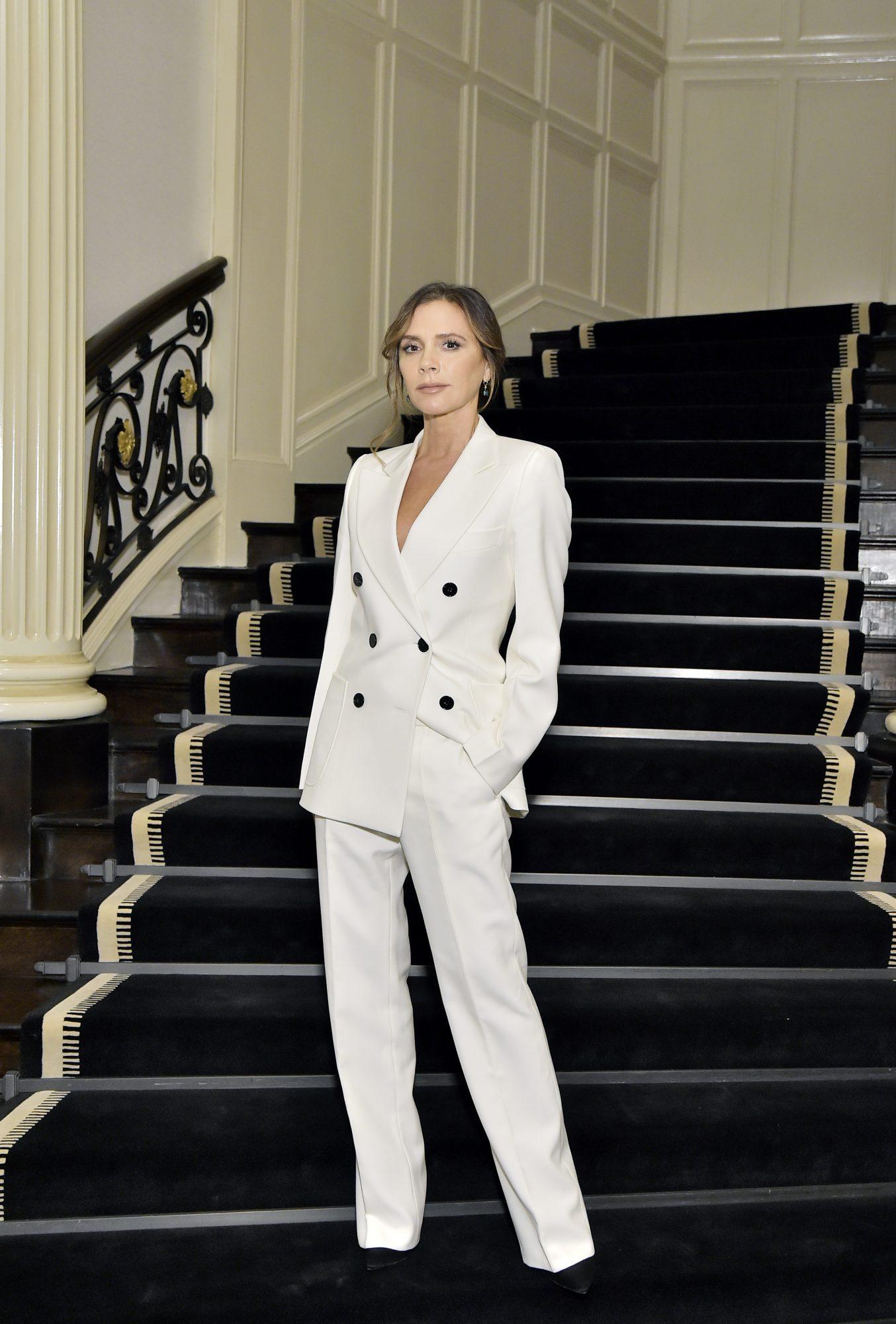 Victoria Beckham, looks