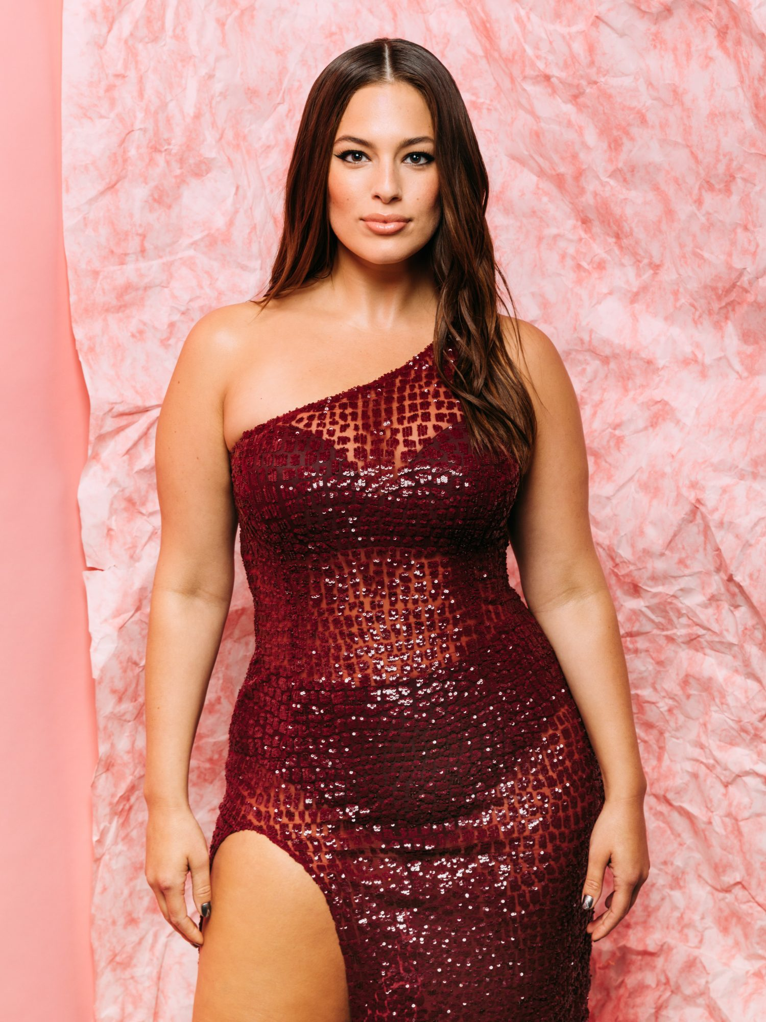 The Ab Move That Keeps Ashley Graham (and Her Mom!) Strong
