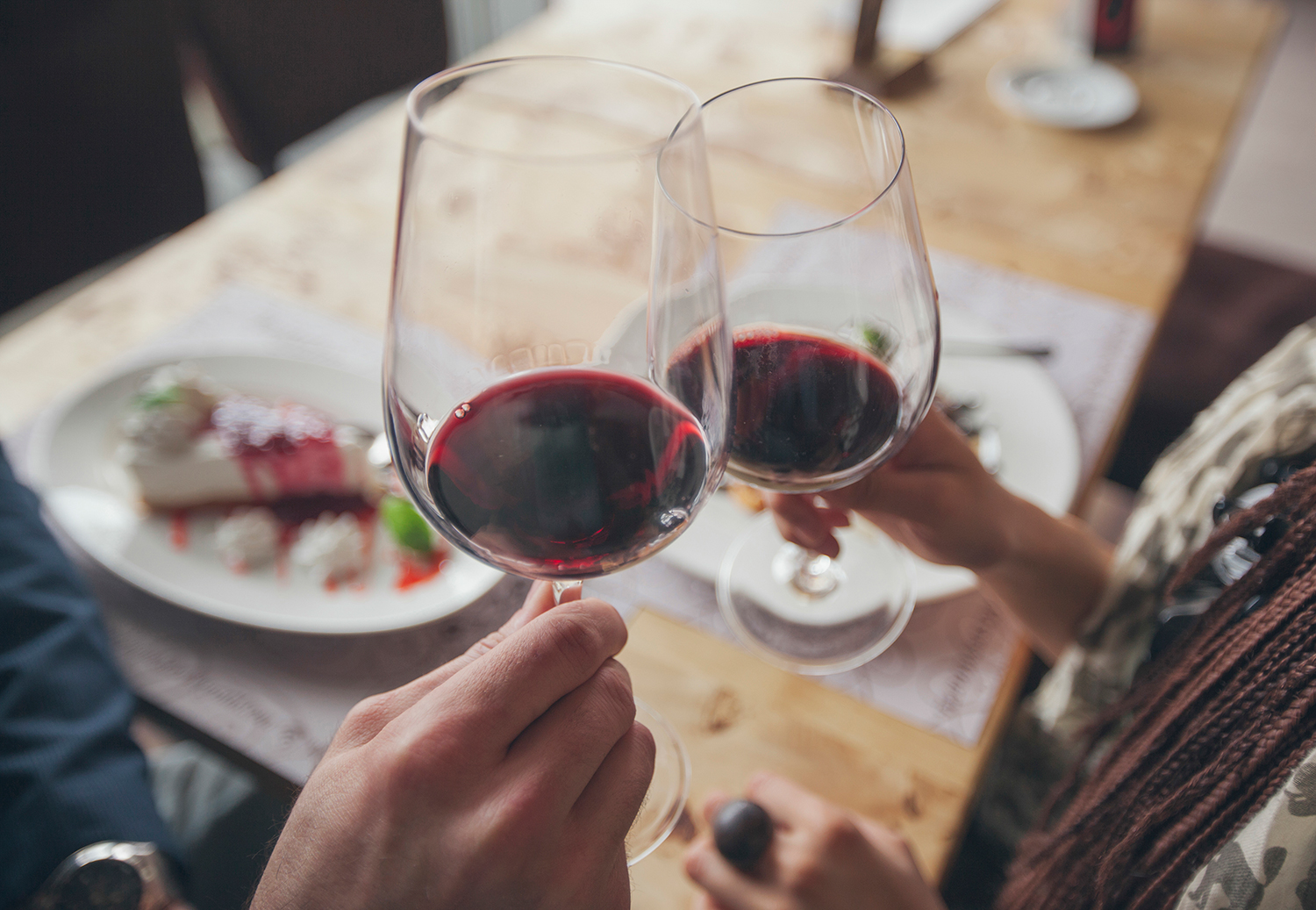 What Not to Do While You're Ordering Wine