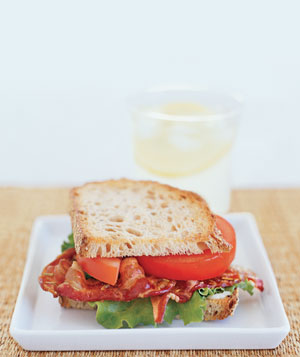 0310bacon-veg-sandwich