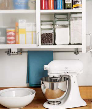 Stand mixer and cabinets