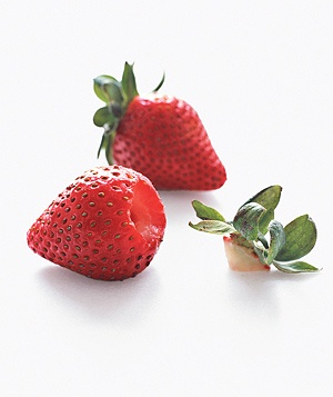 How to Trim Strawberries