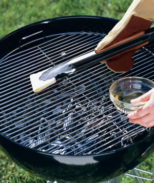 Cleaning and Oiling a Grill Grate