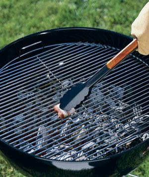 Restore Your Grill With a New Grate