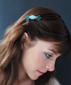 Woman wearing a hair comb