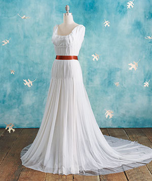 89e62855d1 Wedding Dresses and Accessories Buying Guide