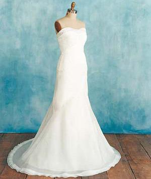 df5b65a045 Choose the Perfect Wedding Dress for Your Body Type