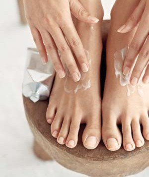 Self-pedicure, moisturizing