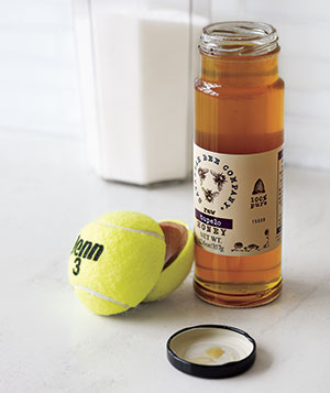 Tennis ball jar opener