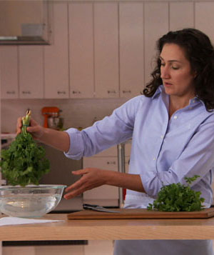 How To: Prepare Cilantro