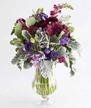 Centerpiece of lisianthus and ranunculus