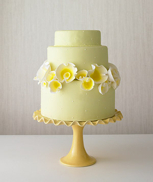 Cake decorated with yellow tulips