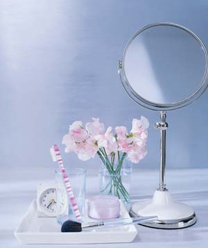Toiletries and a mirror