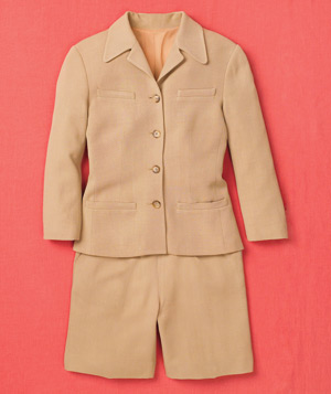 Tan fitted shorts suit