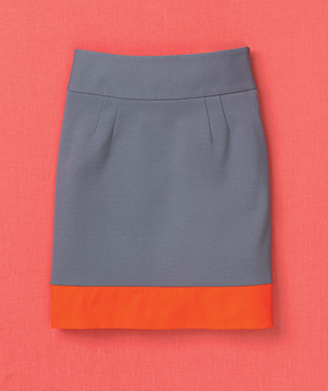 Grey skirt with red hem