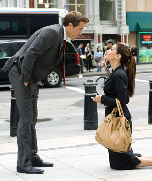 """The Proposal"" filmstill with Sandra Bullock and Ryan Reynolds"
