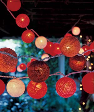 Electric red and pink woven round string lights