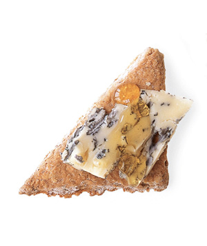 Oatcake cracker + Roquefort + honey