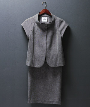 Chaus skirt suit