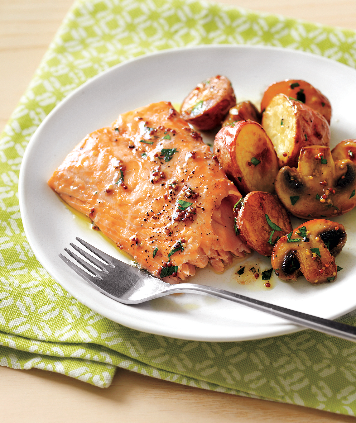 roasted-salmon-potatoes