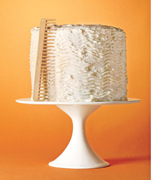 Cake with comb design