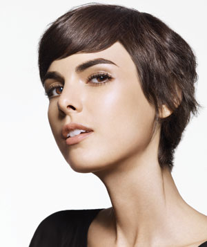 Model with short brown straight hair