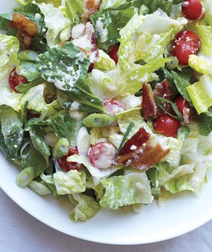 Romaine Salad With Tomatoes and Bacon