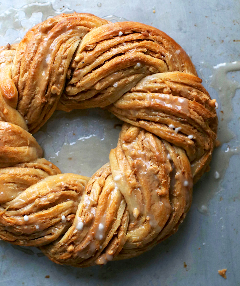 Peanut Butter Crescent Ring