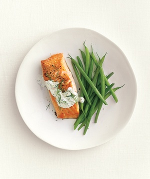 Salmon with dill sauce