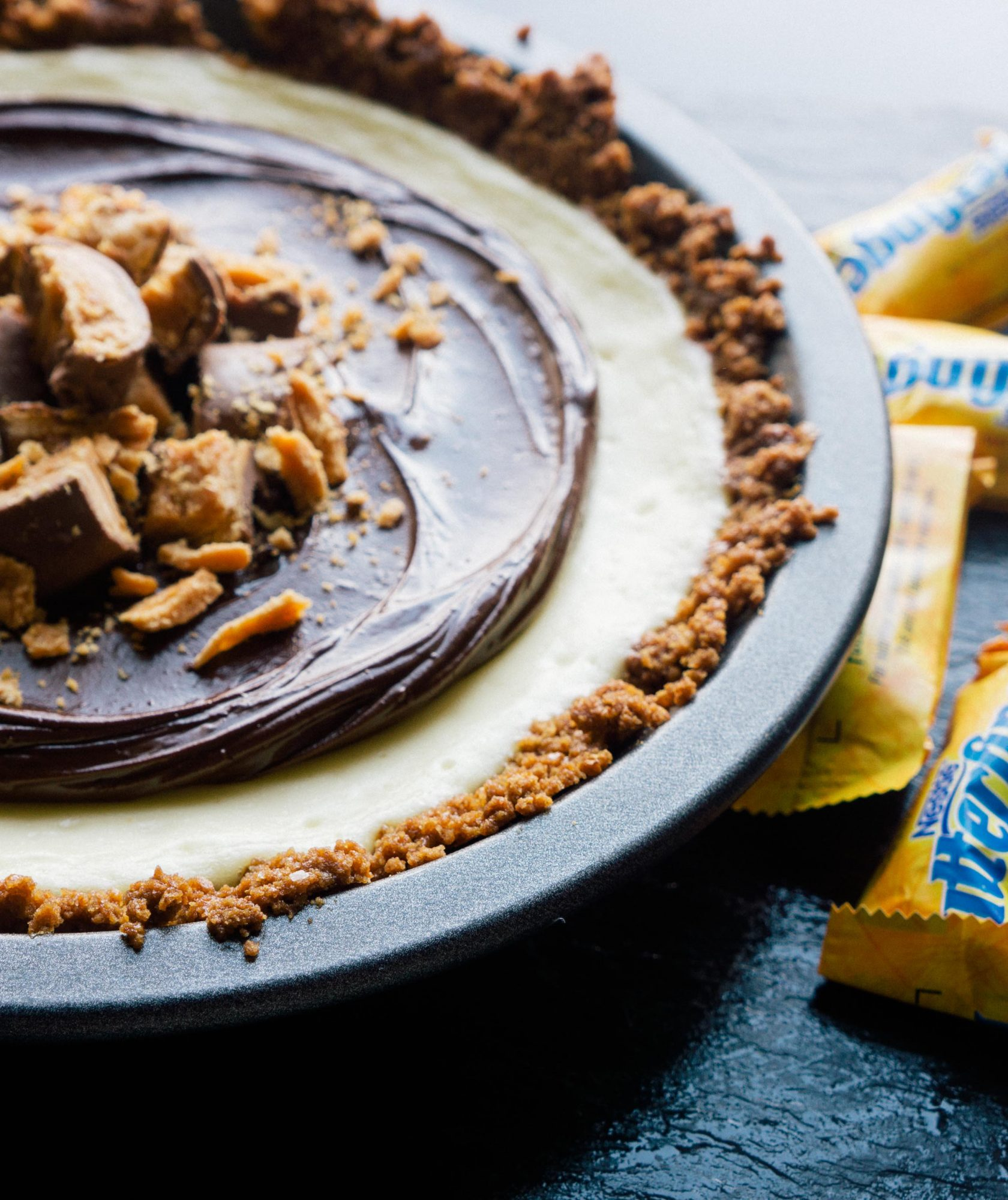 butterfinger-cheesecake-pie