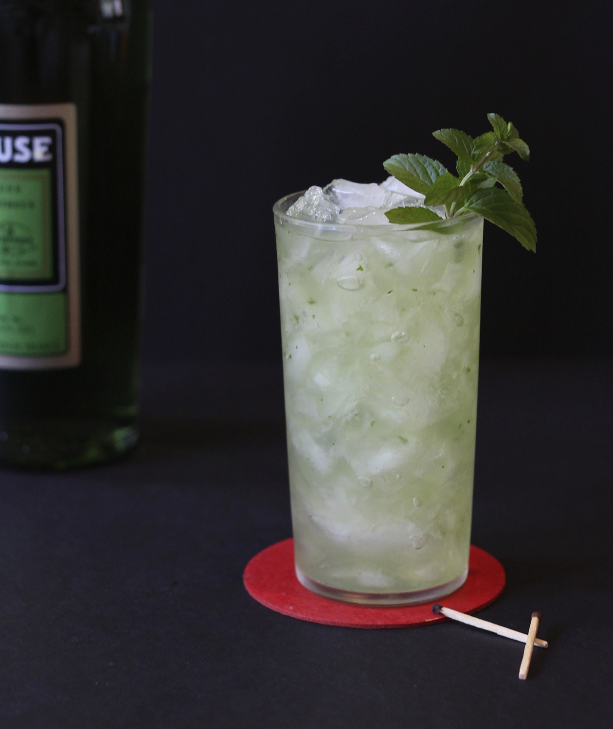 chartreuse-smash-cocktail